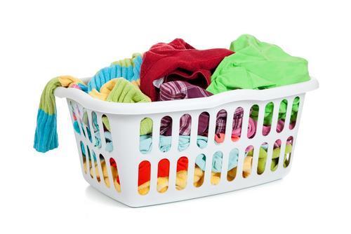 cómo quitar manchas de marcador permanente en ropa de color