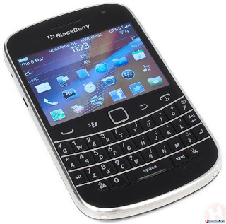 blackberry_9900_bold_charcoal.jpg-776718
